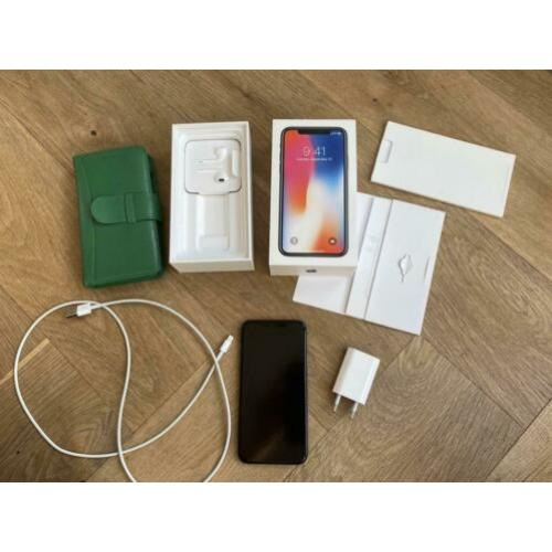 iPhone X 64GB, 2 jr, in goede staat, incl Piel Frama wallet